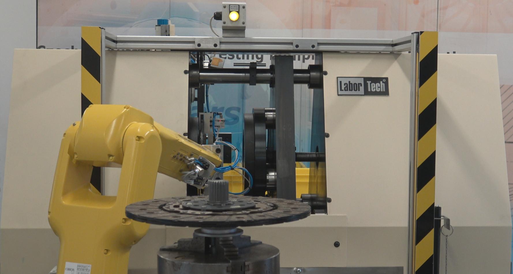 automoti zkušební stroje, testovací stroje v automotive