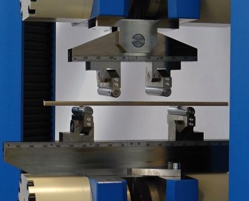 zkušební přípravky, hydraulické upínací čelisti, univerzální zkušební stroj