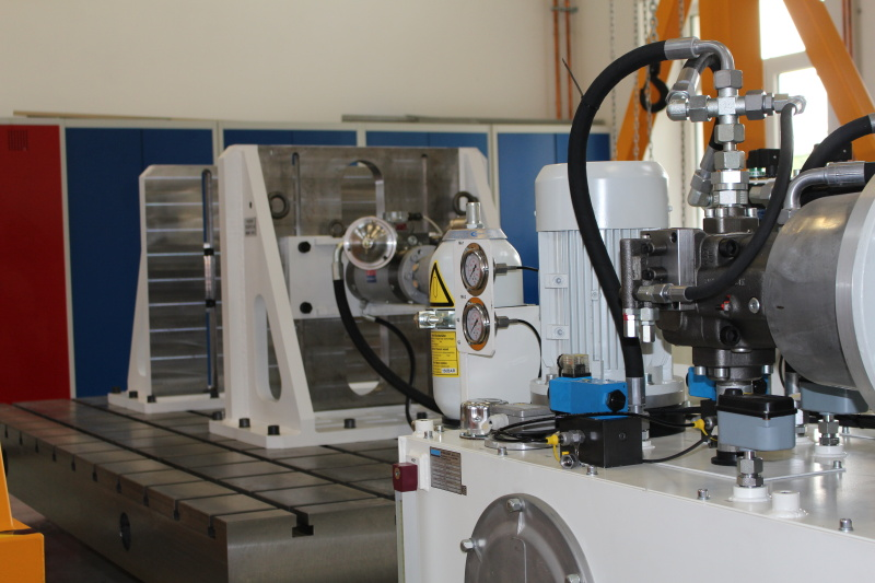 Application Dynamic and fatigue testing machines - H 10